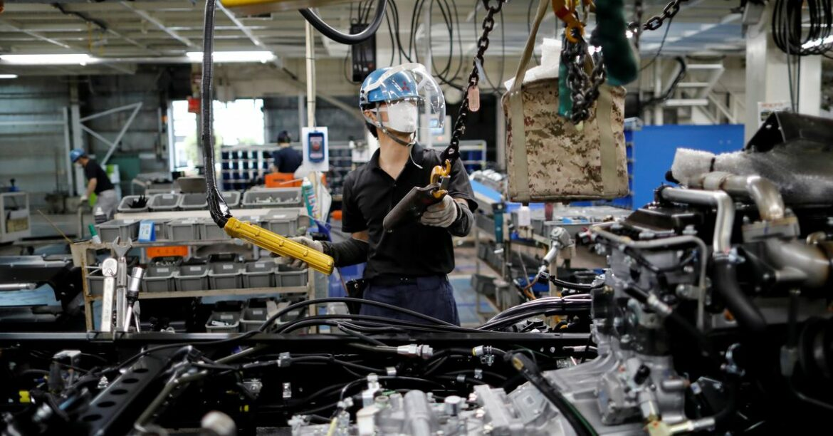 Japan's Sept manufacturing activity growth slows